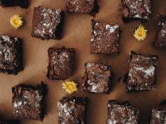 Receita de brownie de biomassa de banana verde com especiarias - Comida na Mesa