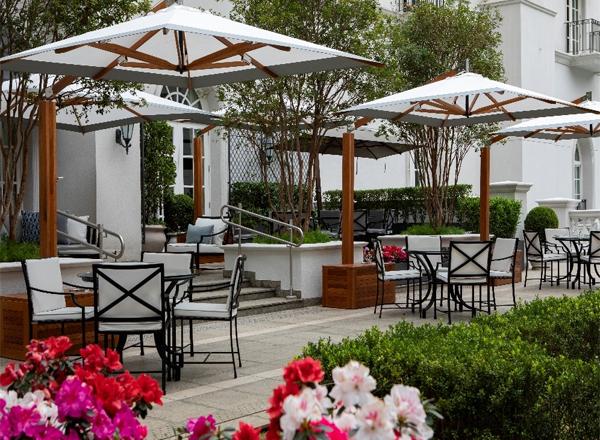 Inauguração do Restaurante Pateo do Palácio, no Palácio tangará, localizado ao ar livre, com vista para o verde do Parque Burle Marx