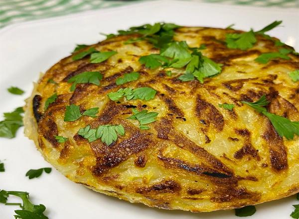 Receita de batata suíca vegana com queijo e calabresa vegana