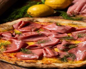 Receita de pizza de mortadela, erva doce e limão siciliano chef Gino Contin