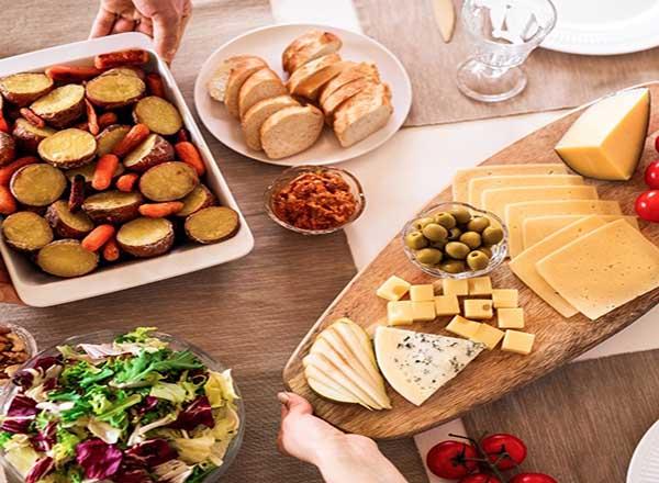 oito dicas para montar uma linda e deliciosa tábua de queijos
