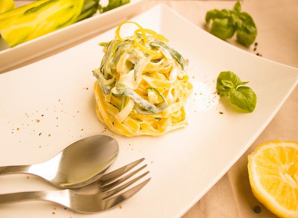 Receita de Molho Branco vegano de Limão para incrementar a macarronada
