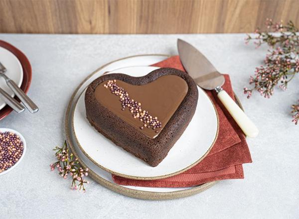 Aprenda o romântico Bolo Coração para comemorar o dia dos namorados