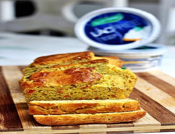 Receita de pãozinho fitness com brócolis, cenoura e cottage