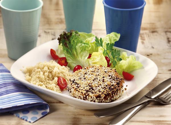 Para variar o cardápio, hambúrguer de atum empanado em sementes