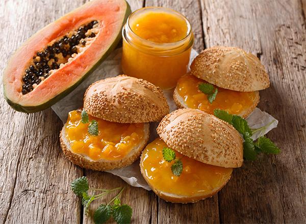 Receitas com mamão para um café da manhã mais saudável